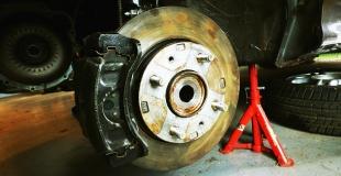 Comment savoir si mes plaquettes de frein sont usées ?