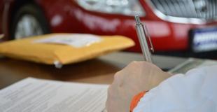 Crédit auto concessionnaire ou via la banque : le pour et le contre