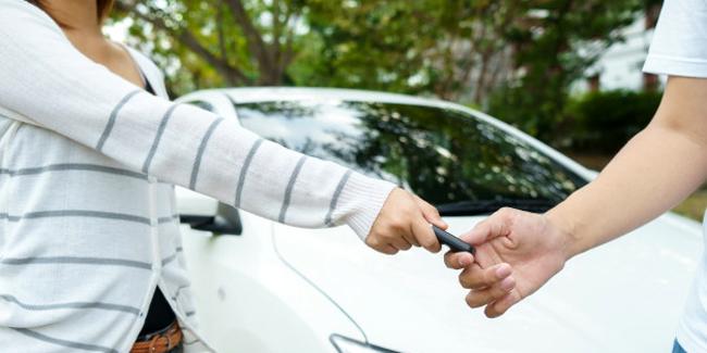 Prêter sa voiture et assurance auto : ce qu'il faut savoir !