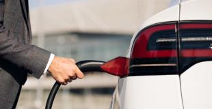 Assurance auto pour voiture hybride