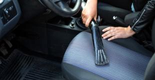Comment nettoyer les sièges de voiture en tissu ?