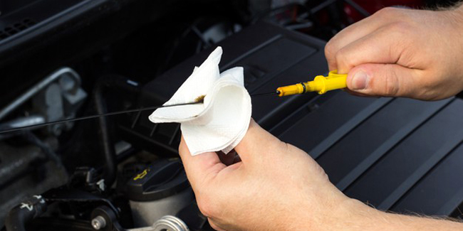 Pourquoi et comment vérifier le niveau d'huile de sa voiture ?